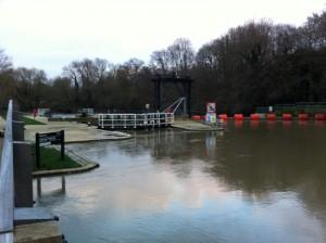 Teston Bridge lock (day after Boxing Day)